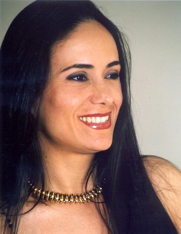 AdrianaHernandezverticalmed