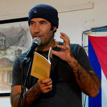 El autor cubano isbel G